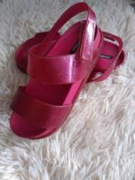 Sapatos número 28