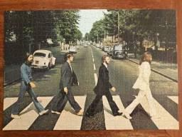 Kit Beatles quebra-cabeças montados.