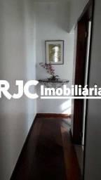 Apartamento à venda com 3 dormitórios em Vila isabel, Rio de janeiro cod:MBAP33430