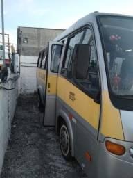 Microônibus escolar