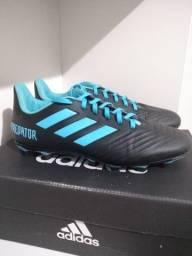 Chuteira Campo Adidas Predator - Preto e Azul