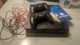 Apenas venda PS4 Completo com dois controles super conservado com acessórios