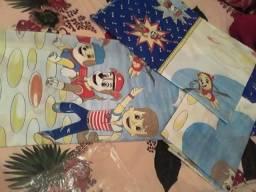 Título do anúncio: Vendo jogo de quarto infantil completo com cortina colcha e fronha