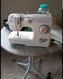 Título do anúncio: Máquina de Costura Singer Fashion