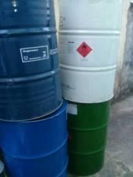 Tonel de ferro de 200 litros  50 reais a unidade
