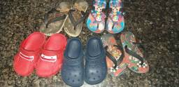 Título do anúncio: Kit de sandalhas e crocs