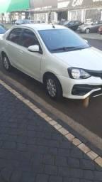 Etios Sedan Plus impecável