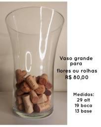 Vaso de vidro para flores ou rolhas