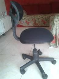 Cadeira escritório secretária giratória com rodas Em ótimo Estado!!!