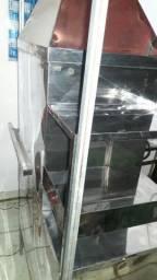 Vendo um carrinho de churrasco novo usou duas vezes quero r$ 800