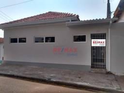 Casa com 4 dormitórios para alugar, 180 m² por R$ 2.300,00/mês - Centro - Botucatu/SP