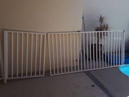Grade com portão e 1 par hastes/base para cobertura