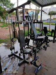 Estação de treino multifuncional