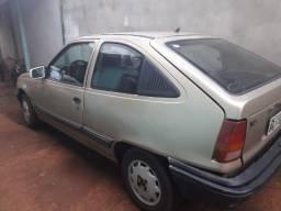 Vendo carro enrolado kadett ano 90 andando funciona normal - 1990