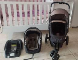 Carrinho Kiddo + Bebê Conforto + Base.