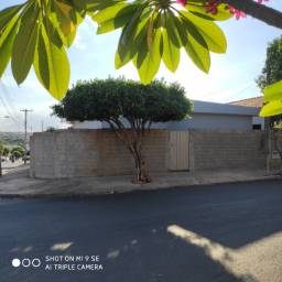 Vende-se casa de 3 quartos, Vila Rocca Guariba