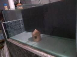 Vende_se está aquário. Tamanho 1m×35cm×45