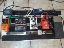 Vende se set de pedais e guitarra epiphone les paul studio