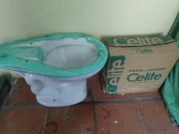 Vaso sanitário celite novo com a caixa de acoplar