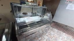 Balcão refrigerador expositor e balcão seco