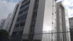 Título do anúncio: Lindo apartamento com 75 m² com 3 quartos, 1 Suíte, Armários, em Campo Grande - Recife - P