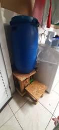 Tambor de água 90 litros.