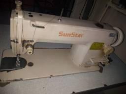 Vendo duas máquinas de costura uma berloque entrego as duas por 3 mil