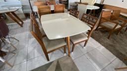 Título do anúncio: Mesa de madeira maciça menor 4 lugares