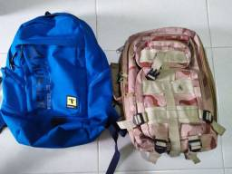 Vendo 2 mochilas Reebok e militar