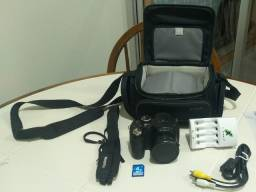 Câmera FujiFilm S2950