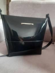 Vendo bolsa petite jolie nova entrego com taxa