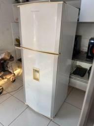 Título do anúncio: Geladeira Brastemp Duplex 438lts Frost Free Com Dispenser de Água - Entrega Grátis