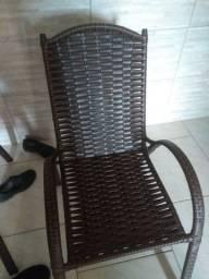 Cadeira por R$ 250 as duas
