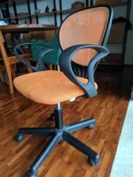 Cadeira giratória Tok & Stok