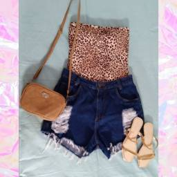 Body + short jeans
