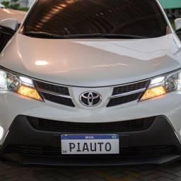 Título do anúncio: Toyota rav4 2.0 automático 2014 - 81. *
