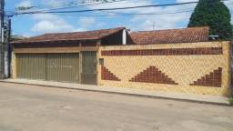 CASAL IMÓVEIS Vende Casa na Guanabara 5/4 - 3 Suítes + 4 Vgs