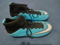 Título do anúncio: Chuteira de trava Nike primeira linha TAM 39/40