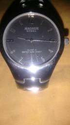 Vendo um Relógio Magnum Steel leia a descrição
