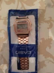Vendo relógio Cássio
