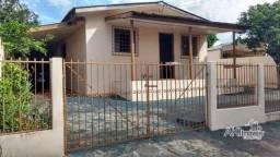 8046 | Casa à venda com 3 quartos em Jardim Vitória, Campo Mourão