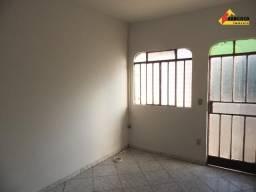 Casa Residencial para aluguel, 3 quartos, Mangabeiras - Divinópolis/MG