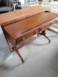Vendo Escrivaninha em Madeira Heckman