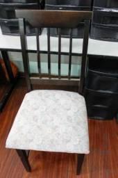 Cadeira de Jantar s/ Braço / em Madeira / Tecido Marrom / Bege (Demanda Conserto)