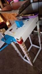 Máquina de fabricação de chinelos e estamparia