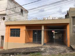 Vendo casa no Centro/Sidil. Rua Bahia