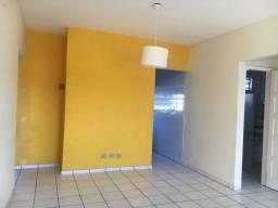 Casa Duplex, em Cajueiro, 6 quartos sendo 1 suíte, 2 vagas de garagem
