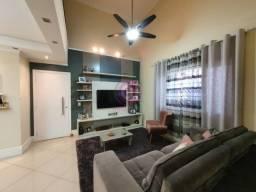 DI - Casa 3 Dormitórios, 180m², Churrasqueira, Jd. Industrias