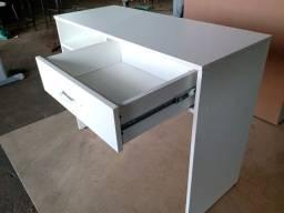 Mesa para manicure 1,00 x 40 x 76 com gaveta