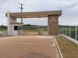 Ótimo terreno as margens da represa no condomínio fechado Nova fama